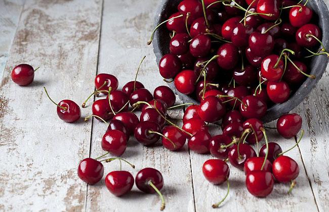 Benefits of Dark Sweet Cherries