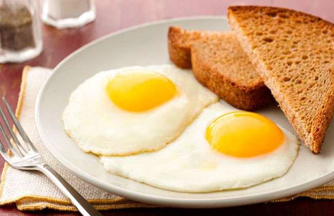 How Many Calories in a Large Egg