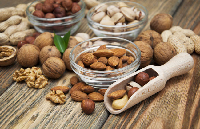 Best Nuts For Snacking